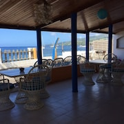 House With 4 Rooms in Saint-pierre, With Wonderful sea View and Furnished Terrace