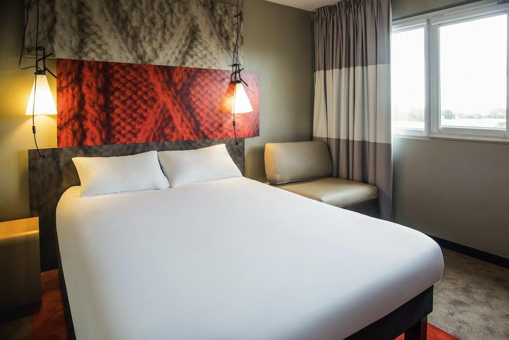 Ibis lyon carré de soie hotel lyon france expedia.fr