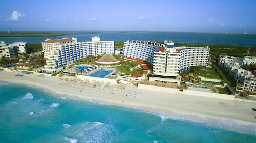 Crown Paradise Club Cancun - Todo Incluido