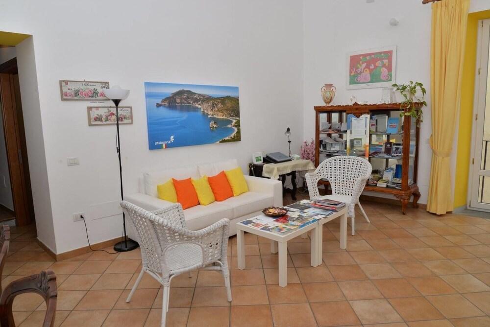 B&B Lungomare (Salerno, Italia) | Expedia.it