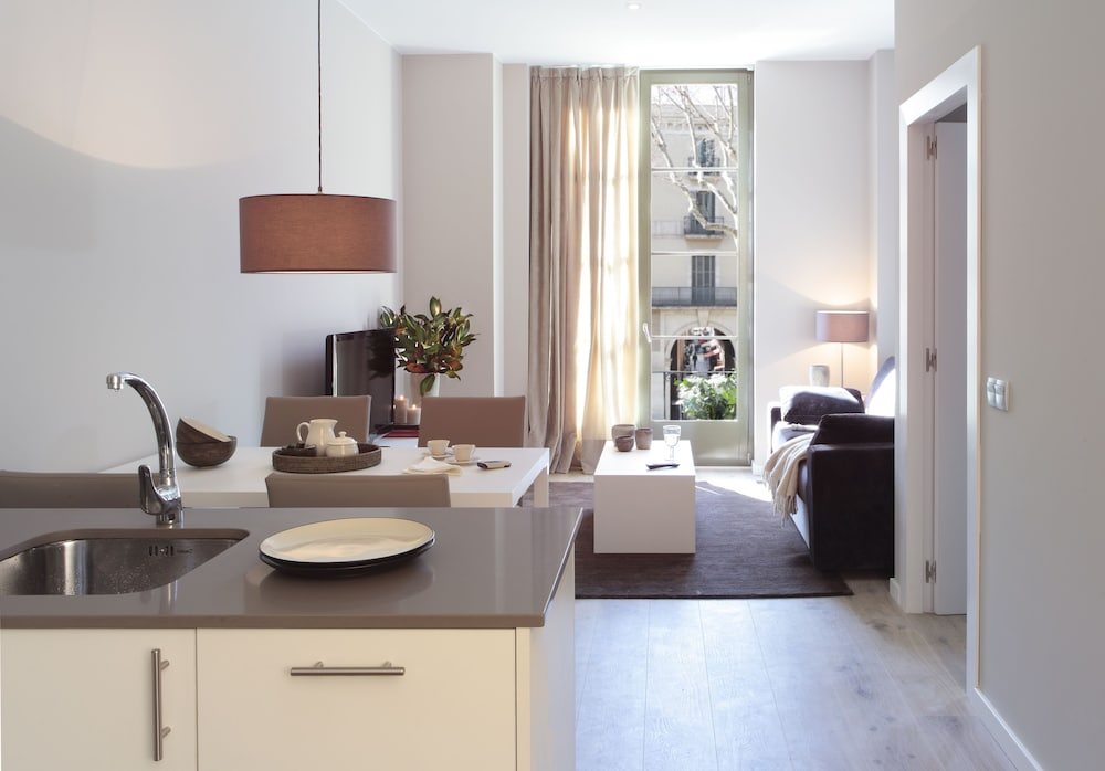 Featured Image, Apartments Rambla 102