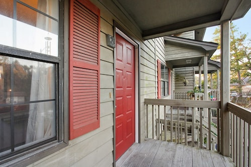 Great Place to stay 2612 Whatley Ave Condo Unit 3 near Savannah