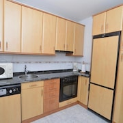 Apartment - 2 Bedrooms With Pool - 103661