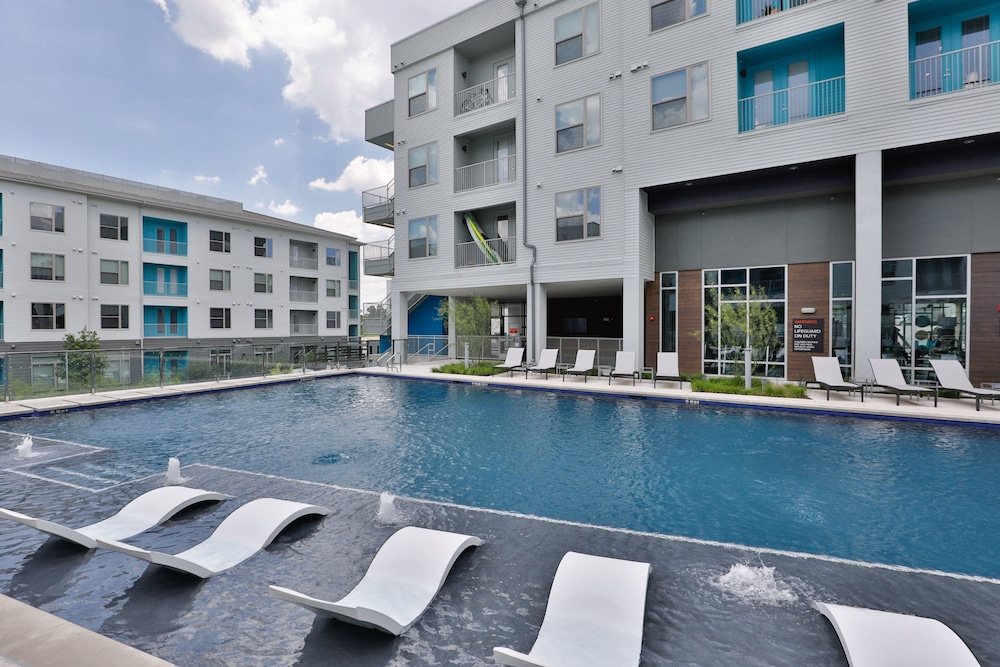 Outdoor Pool, Kasa Austin East Apartments