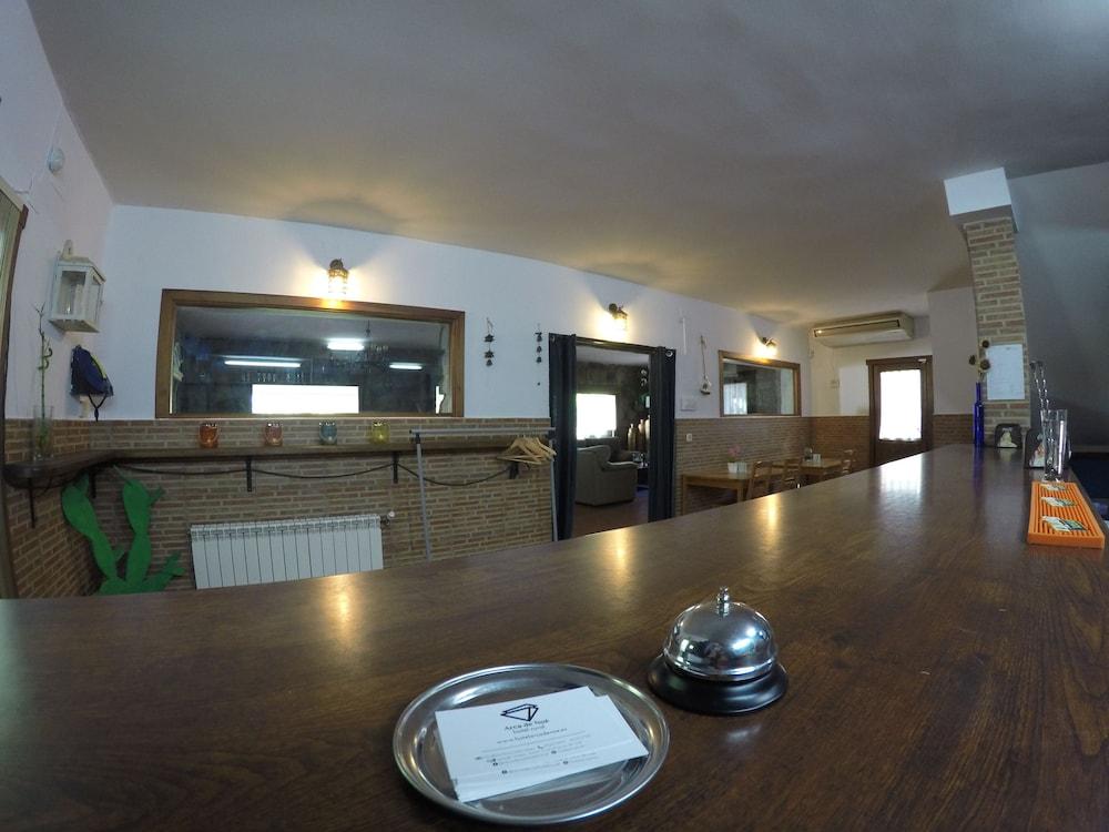Hotel Rural El Arca De Noe In El Tiemblo Cheap Hotel Deals