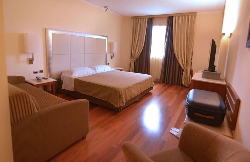Camera Matrimoniale A Grosseto.Hotel Airone Grosseto Italia Expedia It