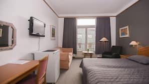 Skrivebord, gratis wi-fi og sengetøy