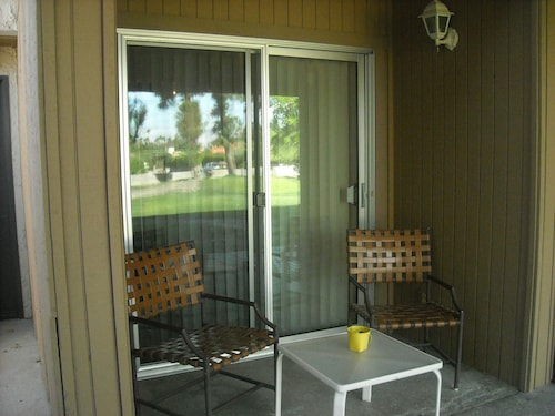 Quiet Lovely Condo/apartment. The City of Palm Springs ID # is 3455