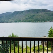 Lakefront Vacation Rental In Town