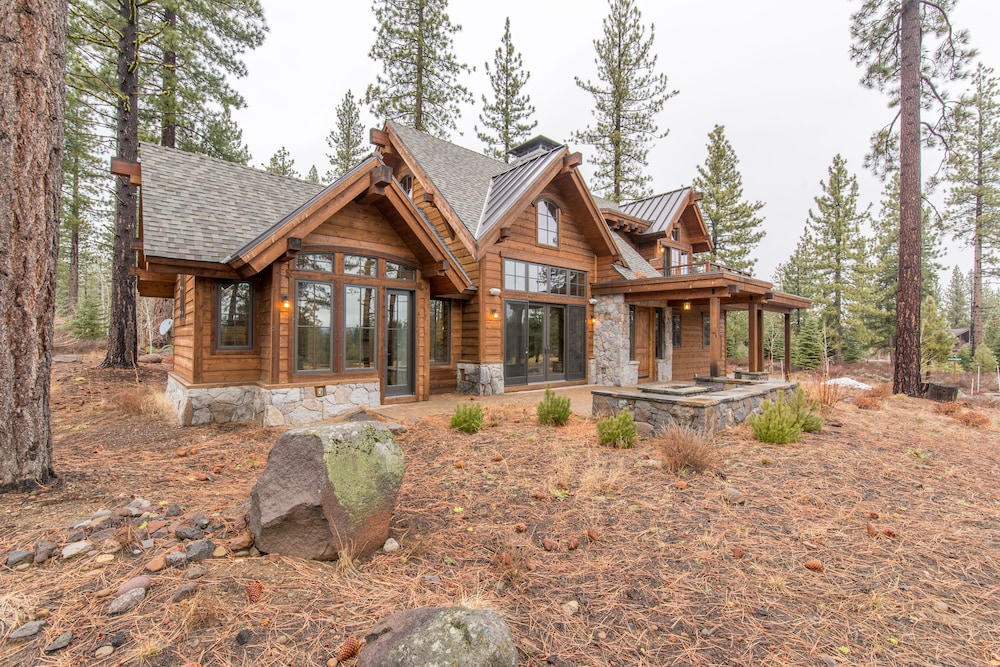 Gorgeous Mountain Home With Open Floor Plan in 's ... on decks for mountain homes, fireplaces for mountain homes, open floor plans for beach homes, windows for mountain homes, covered parking for mountain homes, open floor plans for barn style homes,