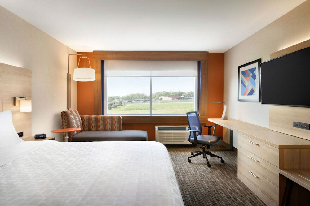 Room, Holiday Inn Express and Suites Nebraska City, an IHG Hotel