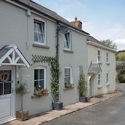 Delightful Cottage set in the Pretty Village of Clearwell, Forest of Dean