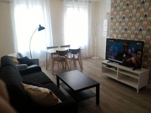 New Cozy T2 Apartment 40m² in Lille for 2-4 People