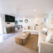 Best Kailua Beach Modern Home With Luxury Amenities and Beach Gear