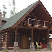 Beautiful Custom Home In Grand Lake