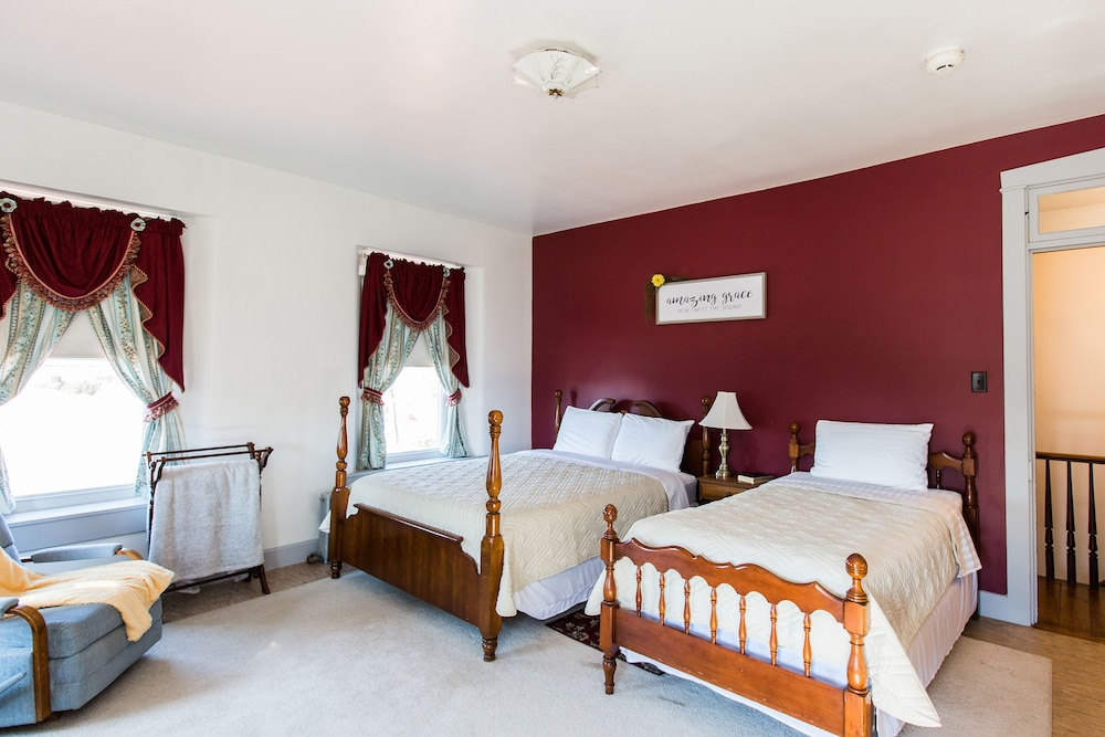 Red Rose Bed Breakfast In Lancaster Hotel Rates