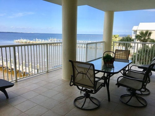 Hotels near fort walton beach park fort walton beach top 10 july openings bayside waterfront dream so roomy with extra large balcony solutioingenieria Images