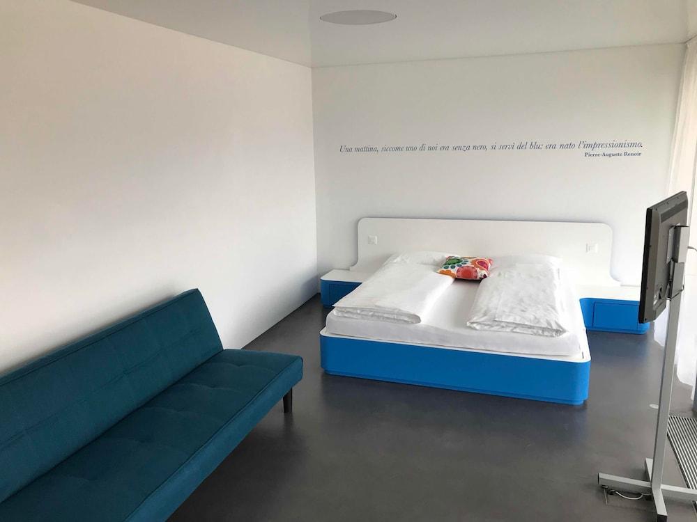 Chromotel, Mezzovico: Hotelbewertungen 2018 | Expedia.de