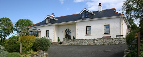 WILLOWBANK HOUSE