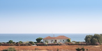 AKTI VILLA - SEASIDE LIVING