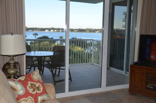 BAY Side, Great Views - 2 Br/+ Separate Bunk Room/2 BA - Sleeps 8