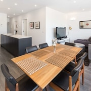 Executive 2br Caulfield North