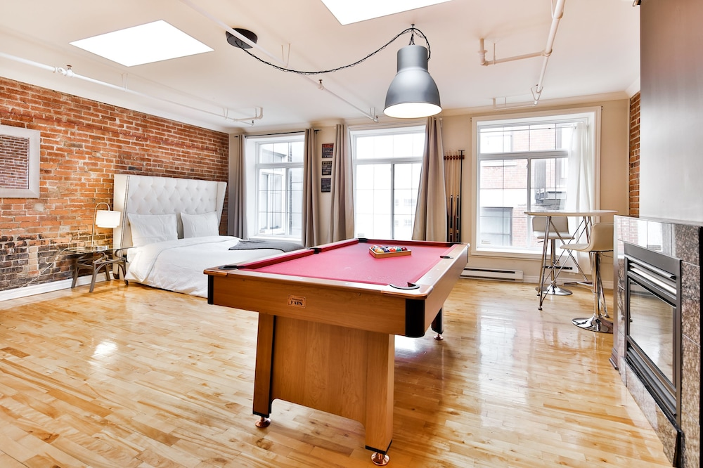 Premium Loft, 1 Queen Bed, Accessible, Kitchen - Featured Image
