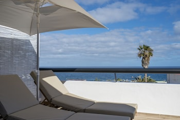Luxury with sea views and heated pool II - Adults Only