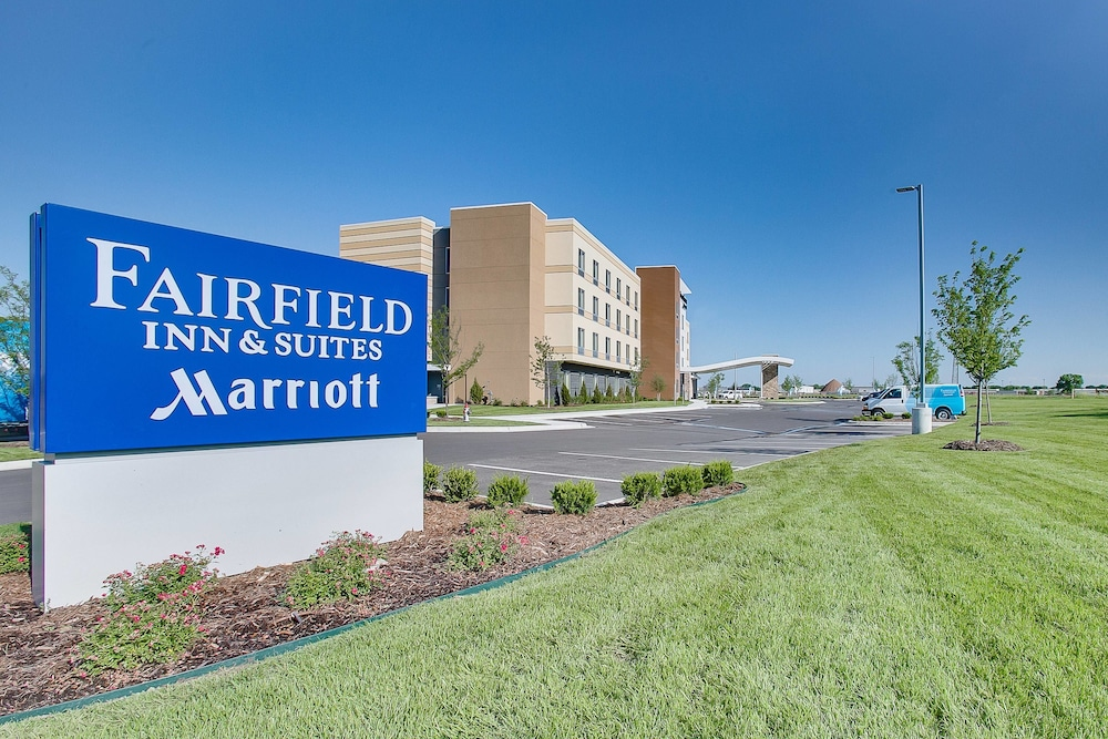 Exterior, Fairfield Inn & Suites by Marriott Wichita East