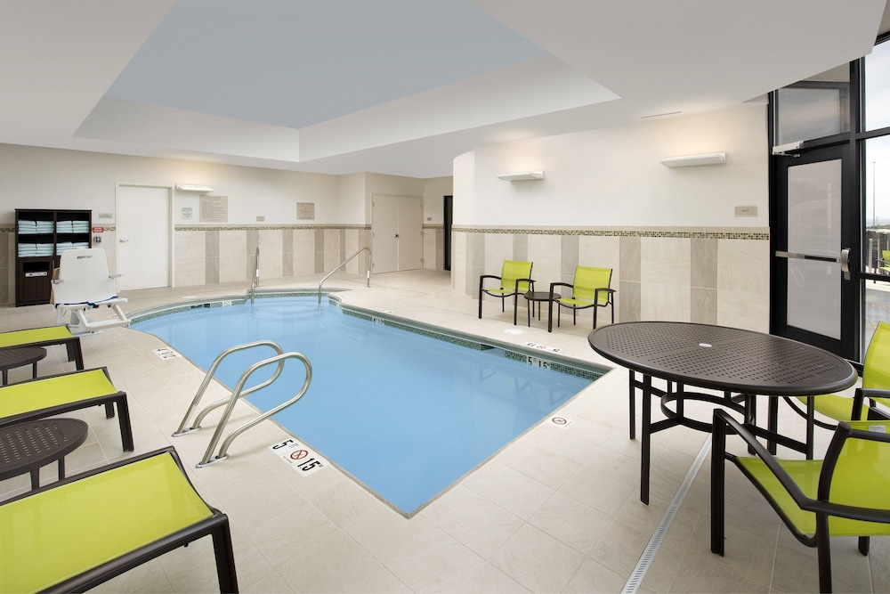 Indoor Pool, SpringHill Suites by Marriott Albuquerque North/Journal Center