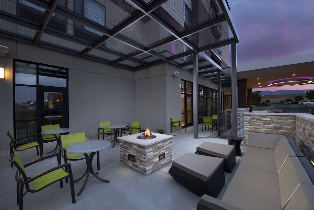 Terrace/Patio, SpringHill Suites by Marriott Albuquerque North/Journal Center