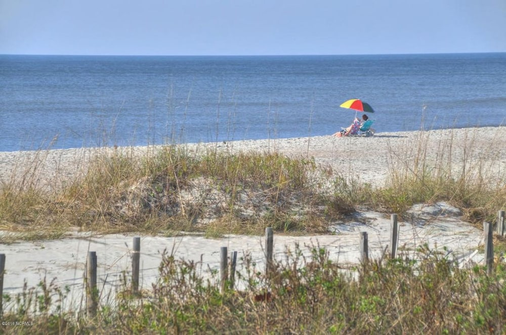 3 Br Oceanview Oak Island Beach Villas Now Booking For Spring Summer 2018 Room Prices Deals Reviews Expedia