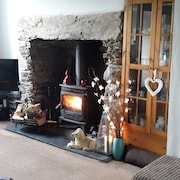 Couples Retreat, 2miles to Harlech Beach. Stroll to Estuary Overlooking Snowdon