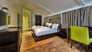 1 bedroom, Frette Italian sheets, premium bedding, minibar