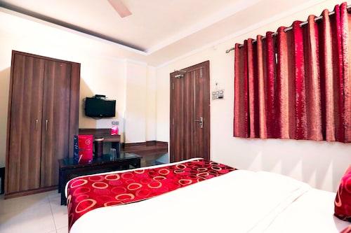 OYO 4126 C T Palace Bhopal India