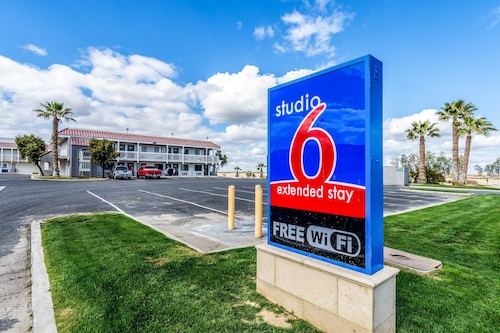 Studio 6 Buttonwillow, CA