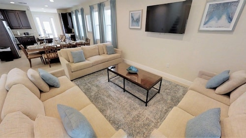 ACO PREMIUM – 8Bd with Private Pool and Spa (1756)