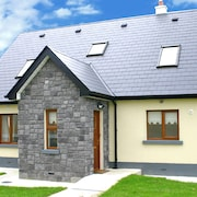 Modern, Welcoming Holiday Home in Popular Enniscrone Village