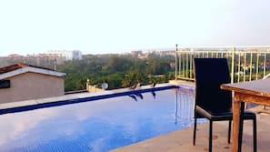 Außenpool, Infinity-Pool