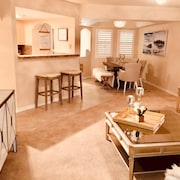 Beautiful Newly Furnished Resort Condo IN THE Arizona Biltmore