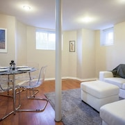 Grand Forest Hill 2BR Hideaway