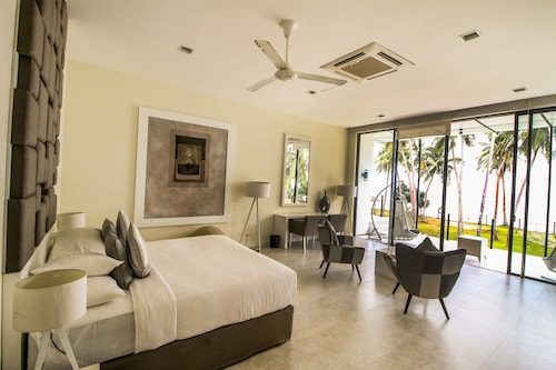Green Turtle Villa by Yoho