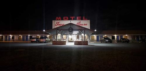 Town House Motel Inn