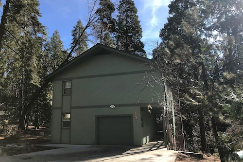 Check Expedia for Availability of Smoke Tree Lodge Apartment 4