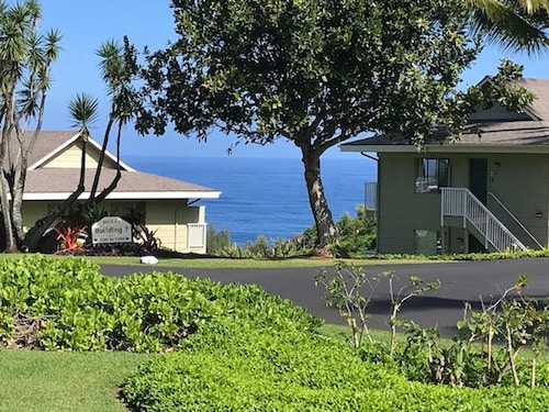 Air-conditioned Upscale Ocean View Condo on the North Shore in Princeville