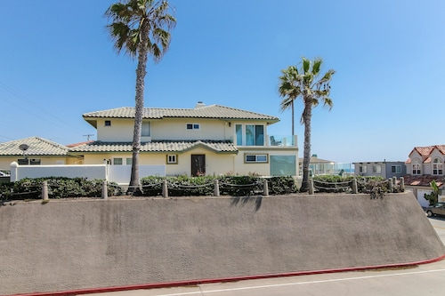 Check Expedia for Availability of South Oceanside Beach House Holiday home 4