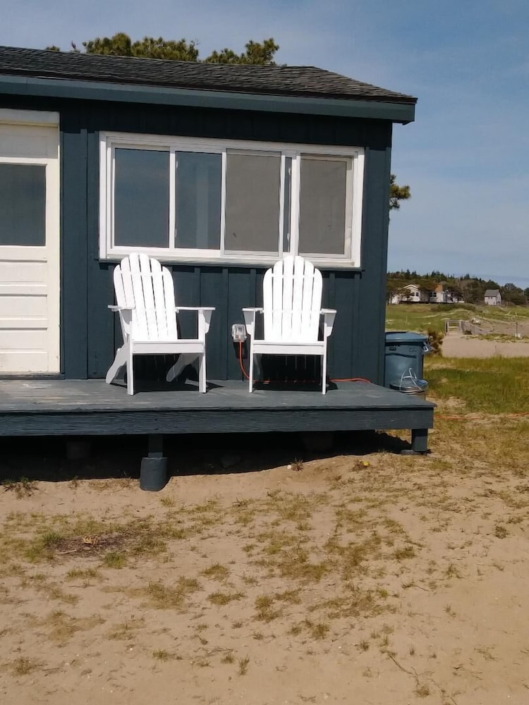 , Driftwood Oceanfront Cottage at Popham Beach Spectacular Views From Every Room