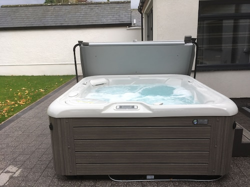 Ancrum House Self-catering Accommodation in Gretna Green With hot tub