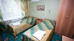 Tallelokero huoneessa, ilmaiset vauvansängyt, ilmainen Wi-Fi