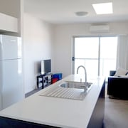 Starlight at the Vue - Luxury 2 Bedroom Apartment